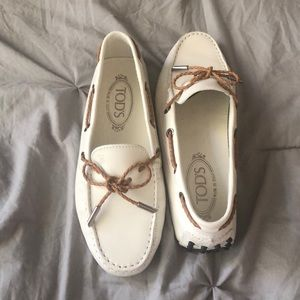 Tod's white driving shoes